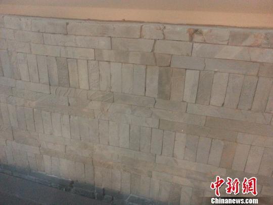 图为博物馆二层展厅的城墙砖。 田雯 摄
