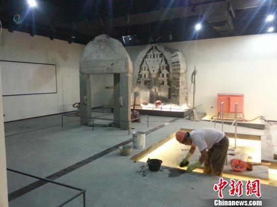 图为博物馆二层展厅的文物。 田雯 摄